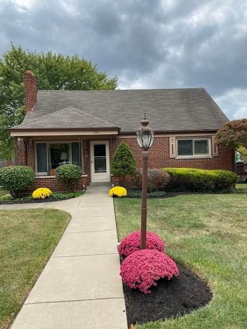 1247 Hillcrest Court, Covington, KY 41016 (MLS #542209) :: Mike Parker Real Estate LLC