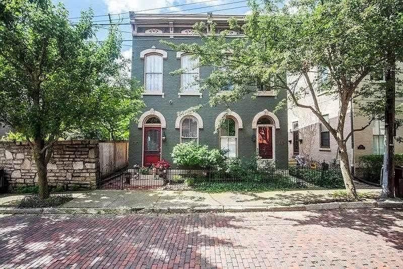 209 Covington Avenue - Photo 1