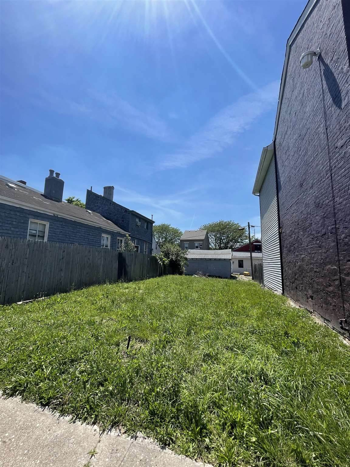 1221 Fisk Street - Photo 1