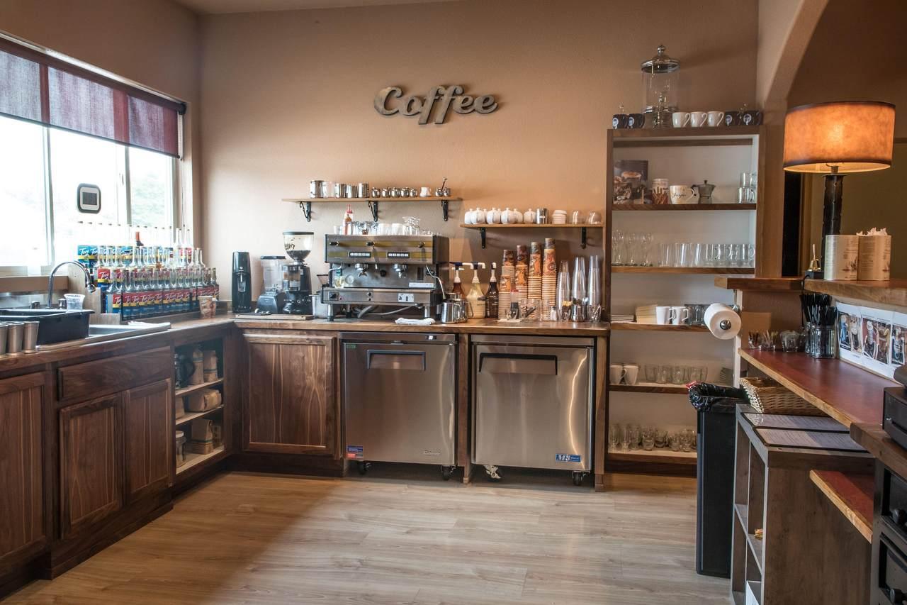 Restaurant Equipment, Dishware, Furniture - Photo 1