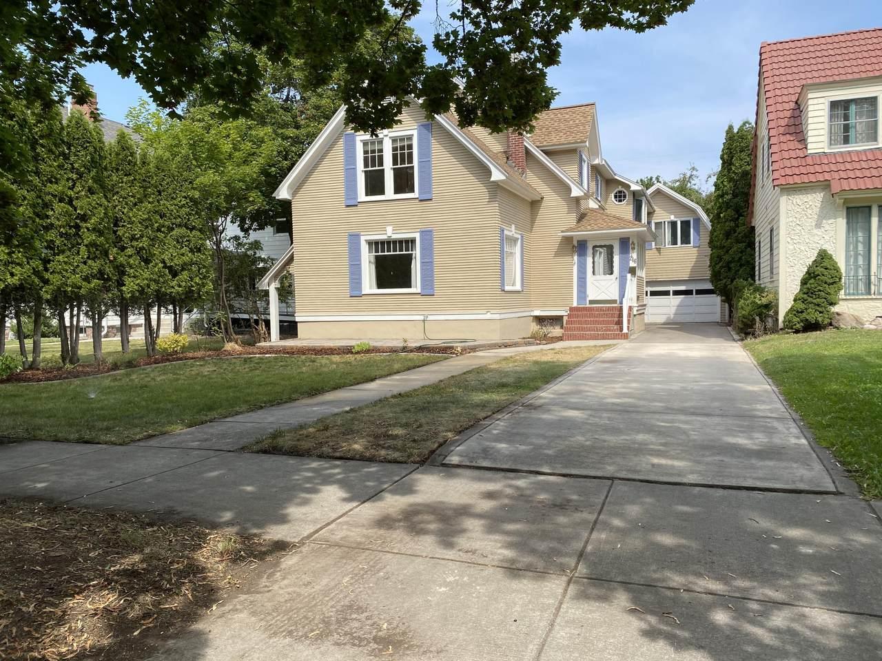 216 University Avenue - Photo 1
