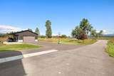 520 Spring Prairie Road - Photo 40