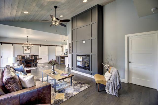 733 Cottonwood Court, Whitefish, MT 59937 (MLS #21811046) :: Loft Real Estate Team