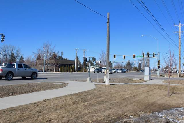 1320 E Meridian Road, Kalispell, MT 59901 (MLS #22002160) :: Performance Real Estate