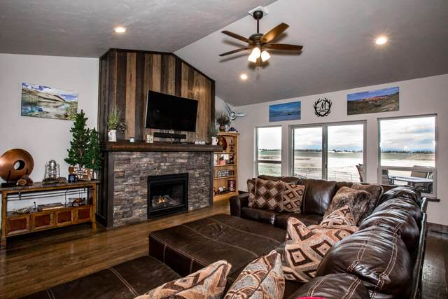 1062 Moon Bow Loop, Kalispell, MT 59901 (MLS #22007556) :: Whitefish Escapes Realty