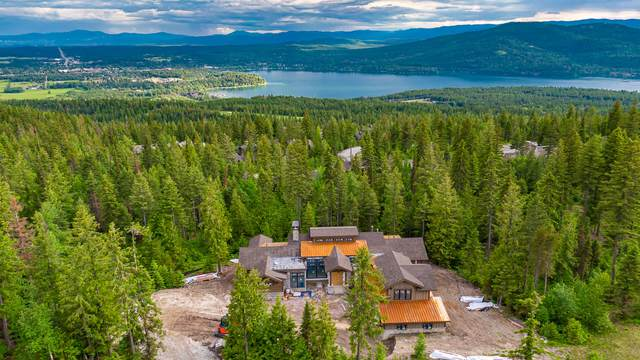 247 Woodlandstar Circle, Whitefish, MT 59937 (MLS #22008993) :: Whitefish Escapes Realty