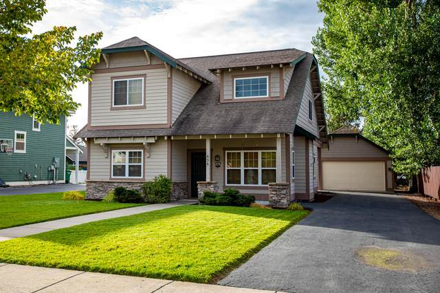 635 Woodside Lane, Whitefish, MT 59937 (MLS #22015670) :: Whitefish Escapes Realty