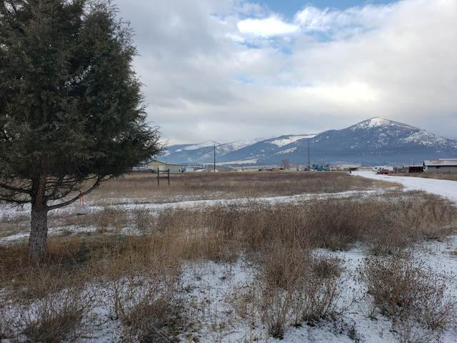 2792 Huggy Bear Lane/Highway 93, Victor, MT 59875 (MLS #22018863) :: Whitefish Escapes Realty