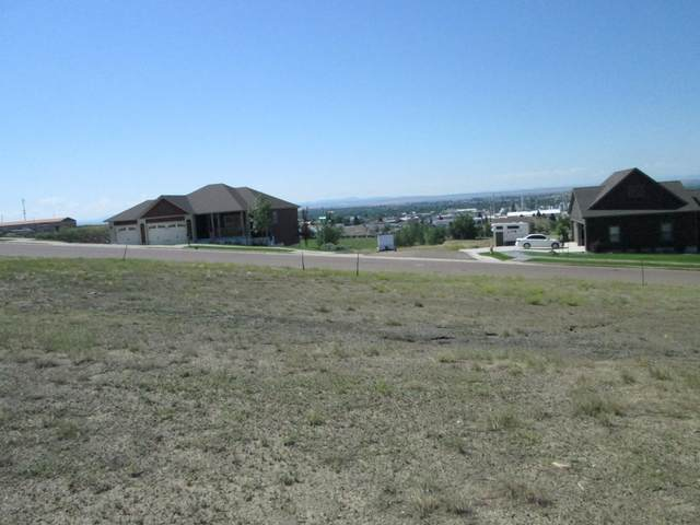 913 Skyline Drive NE, Great Falls, MT 59404 (MLS #22100095) :: Whitefish Escapes Realty