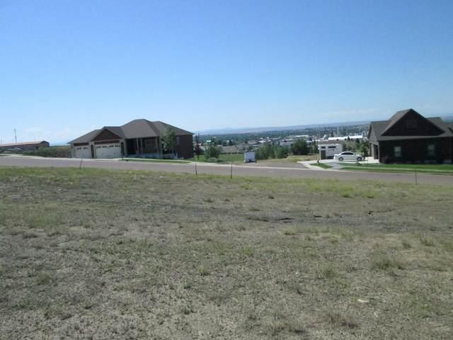 913 Skyline Drive NE, Great Falls, MT 59404 (MLS #22100095) :: Dahlquist Realtors