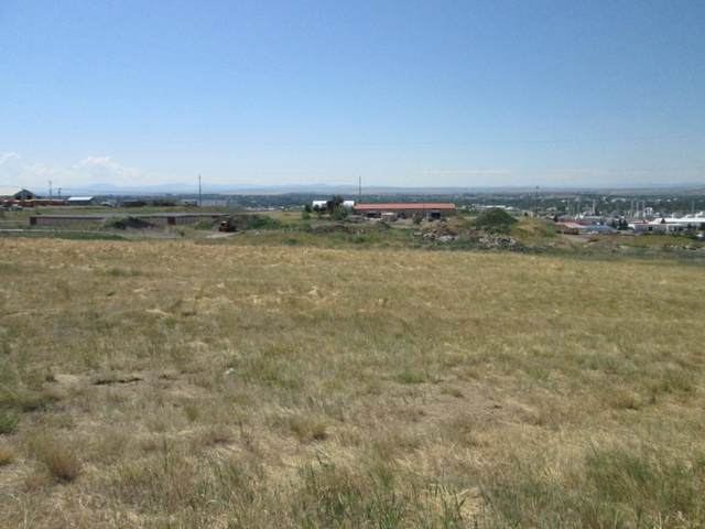 1116 Skyline Drive NE, Great Falls, MT 59404 (MLS #22100103) :: Whitefish Escapes Realty