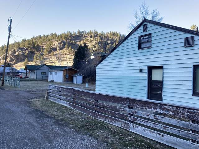 340 Wolf Creek Main Street, Wolf Creek, MT 59648 (MLS #22100512) :: Andy O Realty Group