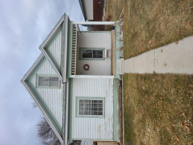 406 5th Street, Stevensville, MT 59870 (MLS #22100748) :: Whitefish Escapes Realty