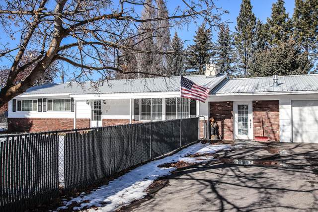 11 Mountain View Court, Kalispell, MT 59901 (MLS #22102367) :: Whitefish Escapes Realty