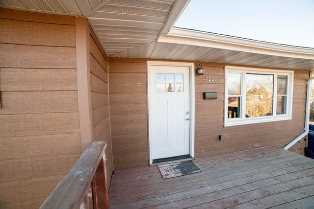722 49th Street S, Great Falls, MT 59405 (MLS #22102442) :: Whitefish Escapes Realty