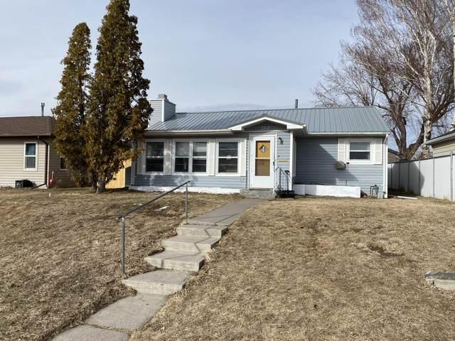 3717 3rd Avenue S, Great Falls, MT 59405 (MLS #22102939) :: Montana Life Real Estate