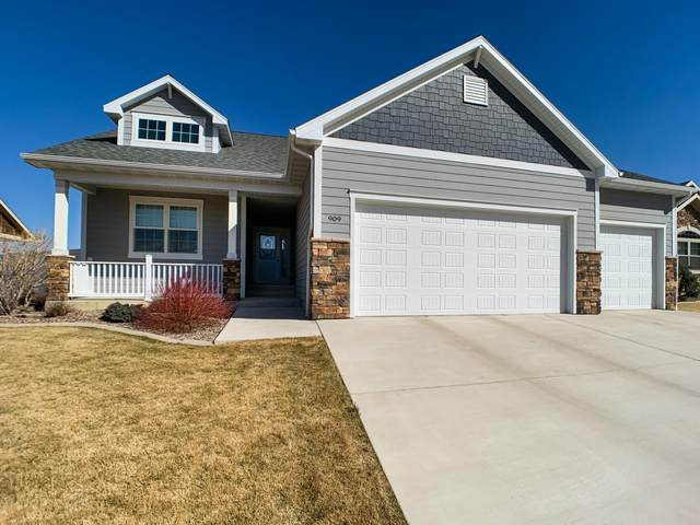 909 Choteau Avenue NE, Great Falls, MT 59404 (MLS #22104391) :: Whitefish Escapes Realty