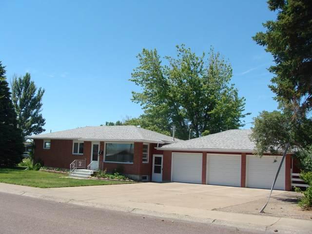 201 21st Avenue NW, Great Falls, MT 59404 (MLS #22109544) :: Peak Property Advisors