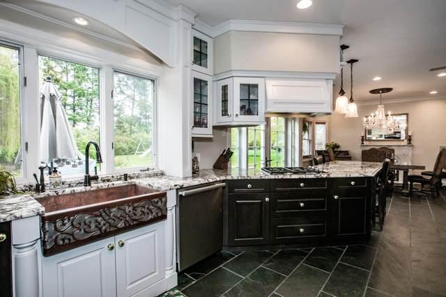 204 River View Drive, Kalispell, MT 59901 (MLS #22110393) :: Peak Property Advisors
