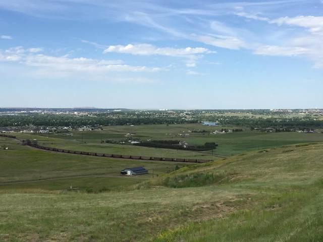 2204 Larkspur Lane, Great Falls, MT 59404 (MLS #22111621) :: Montana Life Real Estate