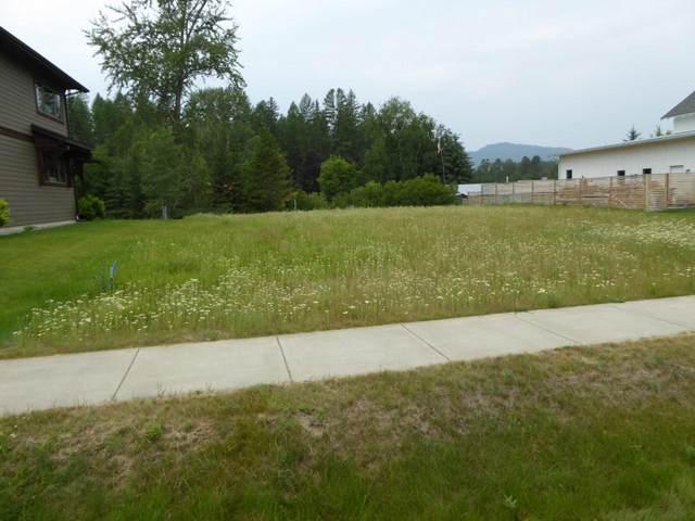 332 Sawtooth Drive, Whitefish, MT 59937 (MLS #22111652) :: Peak Property Advisors