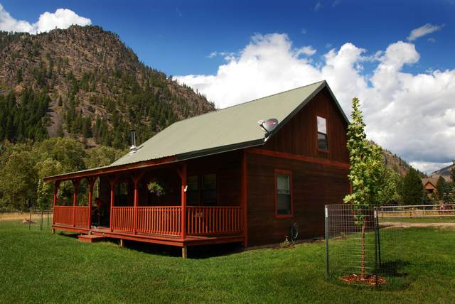 15 Snook Way, Clinton, MT 59825 (MLS #22111653) :: Whitefish Escapes Realty