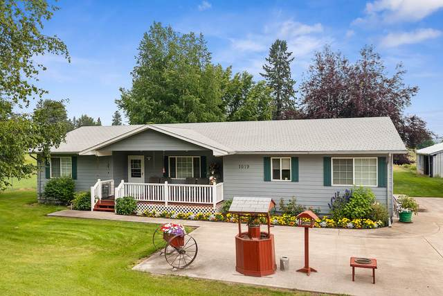 1019 Rose Crossing, Kalispell, MT 59901 (MLS #22111674) :: Whitefish Escapes Realty