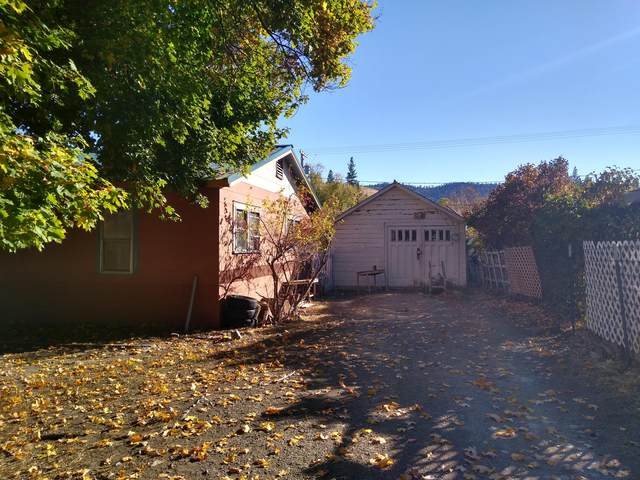 605 1st Avenue, Hot Springs, MT 59845 (MLS #22116312) :: Whitefish Escapes Realty