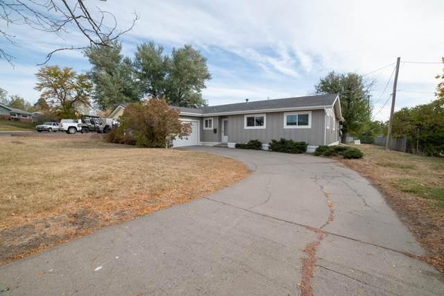 821 48th Street S, Great Falls, MT 59405 (MLS #22116486) :: Peak Property Advisors