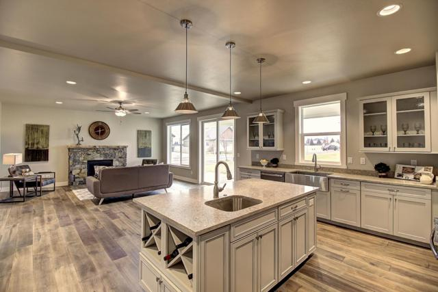 201 Ali Loop, Kalispell, MT 59901 (MLS #21813325) :: Brett Kelly Group, Performance Real Estate
