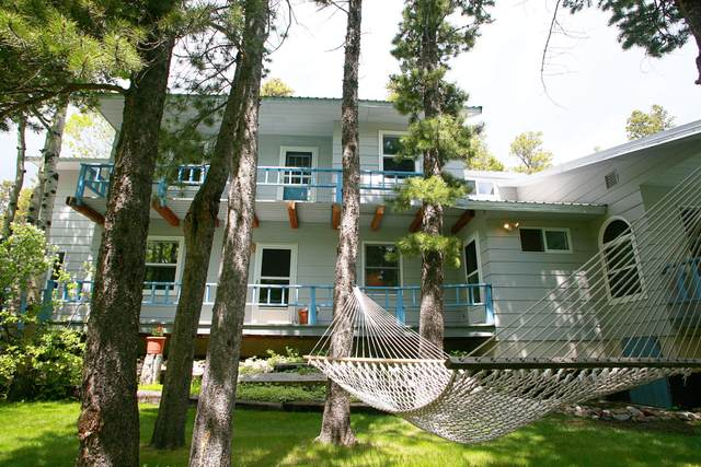 1228 4th Avenue, East Glacier Park, MT 59434 (MLS #22005933) :: Whitefish Escapes Realty
