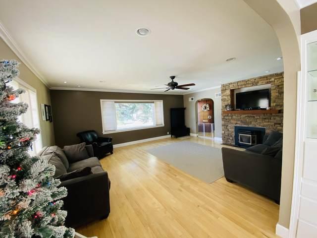 405 S Iowa Street, Conrad, MT 59425 (MLS #22018037) :: Montana Life Real Estate