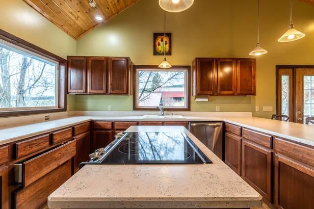 20704 Broken Pine Lane, Frenchtown, MT 59834 (MLS #22103188) :: Peak Property Advisors