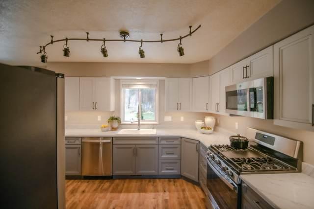 5335 Maverick Way, Florence, MT 59833 (MLS #22116235) :: Peak Property Advisors