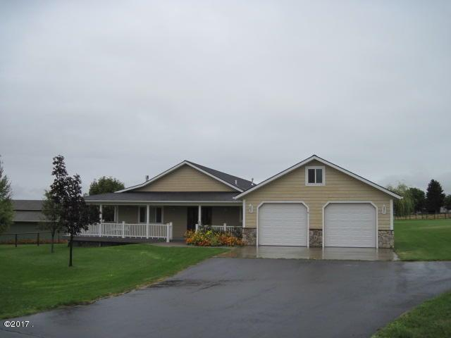 780 Bauer Lane, Corvallis, MT 59828 (MLS #21711612) :: Loft Real Estate Team