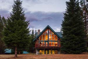 290 Whitepine Creek Road, Trout Creek, MT 59874 (MLS #21917311) :: Andy O Realty Group