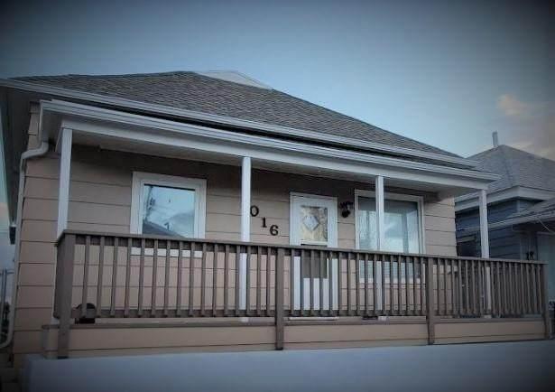1016 Lewisohn Street, Butte, MT 59701 (MLS #22105151) :: Montana Life Real Estate