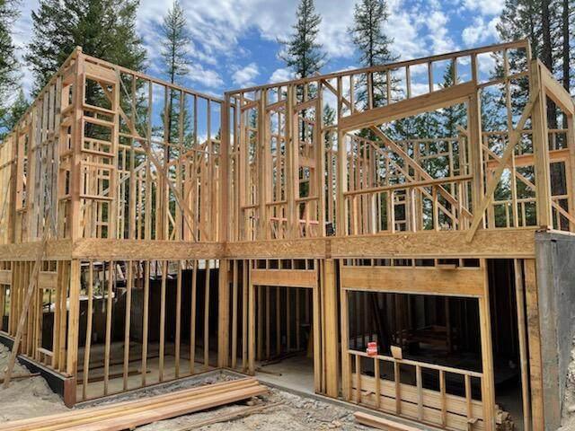34 Ridge Lane, Eureka, MT 59917 (MLS #22111595) :: Montana Life Real Estate