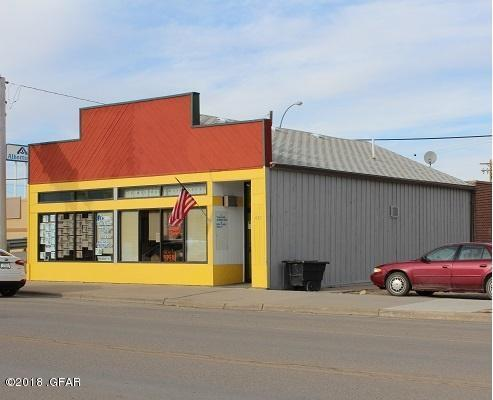 413 Main Street, Shelby, MT 59474 (MLS #3182584) :: Montana Life Real Estate