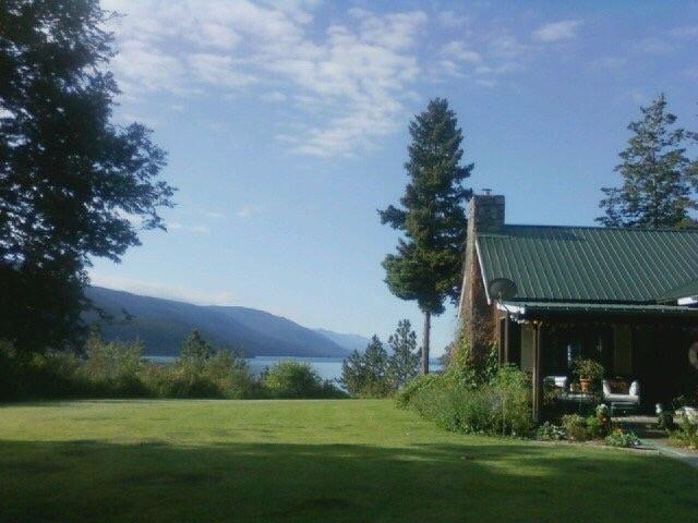32957 Driftwood Lane, Bigfork, MT 59911 (MLS #21811165) :: Andy O Realty Group
