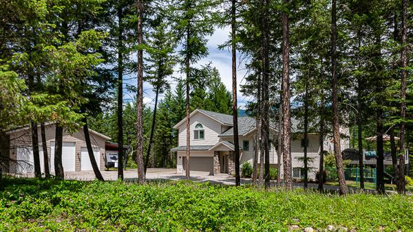 264 E Many Lakes Drive, Kalispell, MT 59901 (MLS #21910969) :: Andy O Realty Group