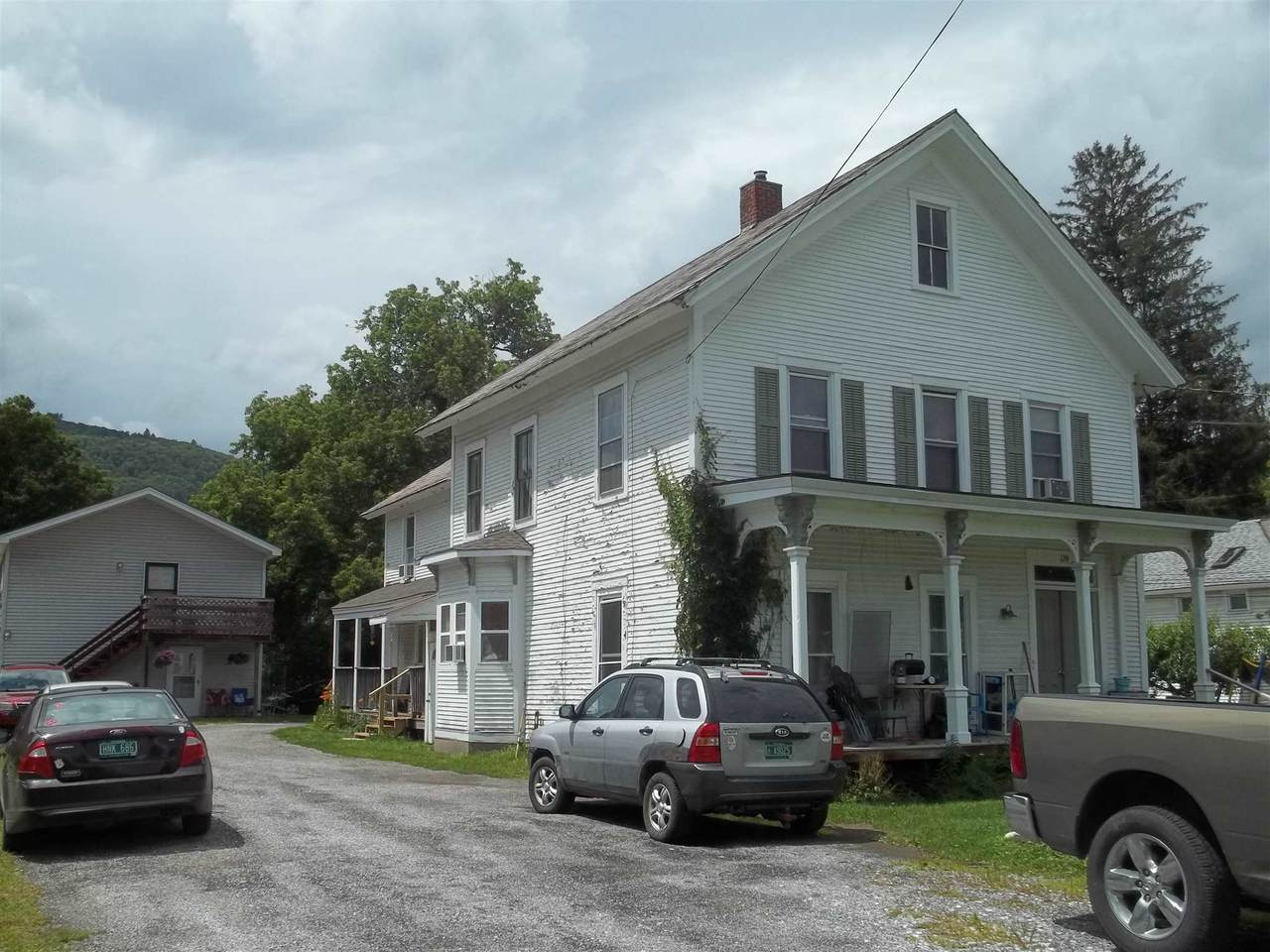 124 Clarendon Avenue - Photo 1