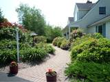 18 Brewster Heights - Photo 2