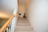 913 Fox Hollow Way - Photo 9