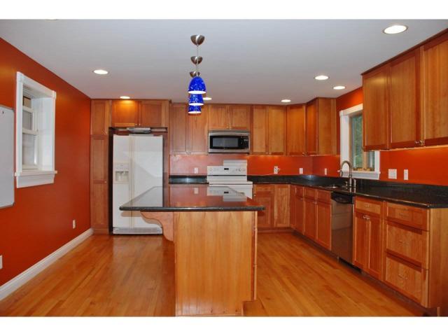 39 Nash Place, Burlington, VT 05401 (MLS #4659640) :: The Gardner Group