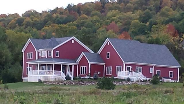 101 Mountains Edge, Charlotte, VT 05445 (MLS #4695635) :: The Gardner Group