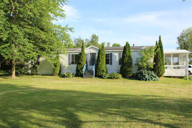 31 Moccasin Avenue, Grand Isle, VT 05458 (MLS #4765261) :: Hergenrother Realty Group Vermont