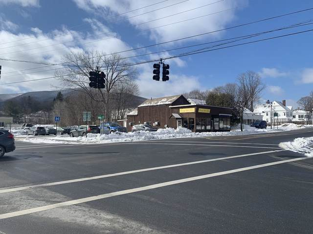 241 Main Street, Bennington, VT 05201 (MLS #4794878) :: The Hammond Team