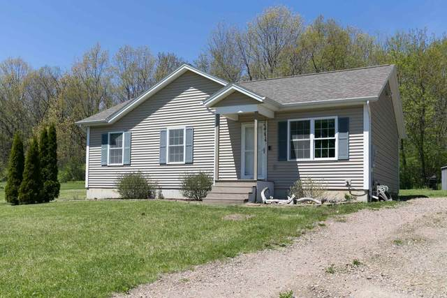 8 Ciara Drive, Grand Isle, VT 05458 (MLS #4806539) :: The Hammond Team
