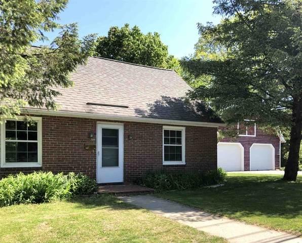 100 Maple Street, Essex, VT 05452 (MLS #4807596) :: The Gardner Group